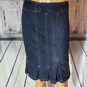The limited denim skirt size 6
